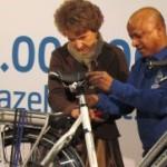 Printesa Margriet a Olandei a asamblat bicicleta cu nr. 14 mil. la aniversarea de 120 de ani a brandului regal Gazelle