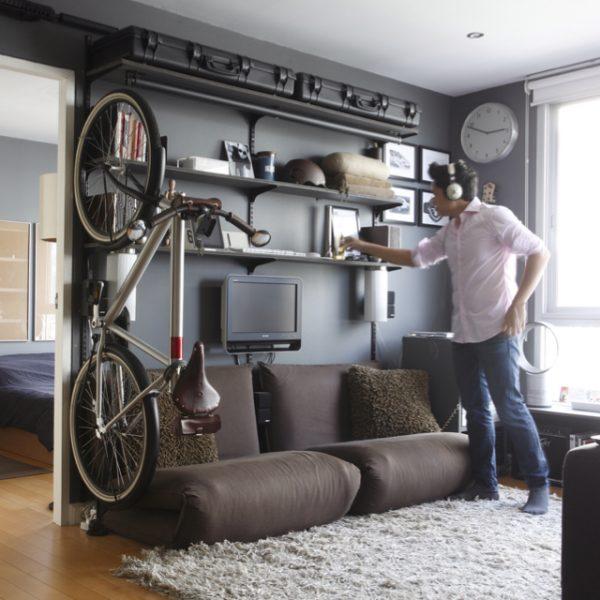 Suport bicicleta pe perete vertical