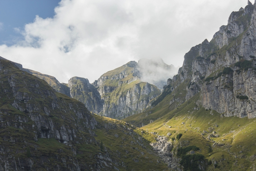 Trasee montane Bucegi Valea Cerbului Malaiesti