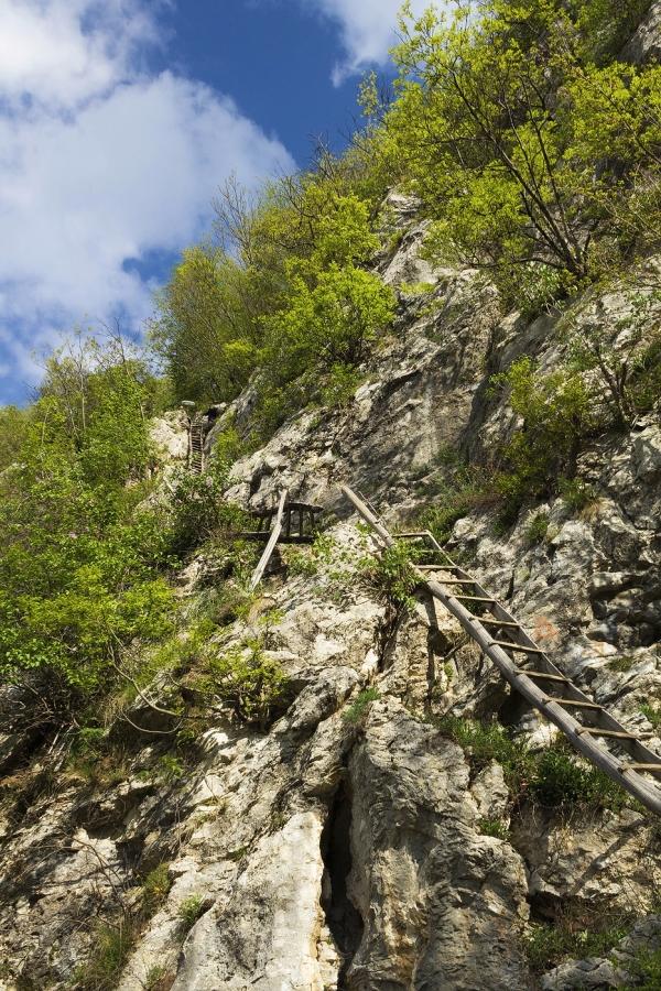 Trasee montane Valea Cernei Inelet
