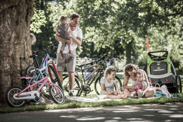 Familie pe bicicleta - Merida