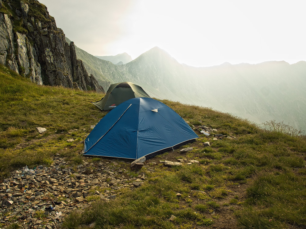 Echipament camping trasee montane
