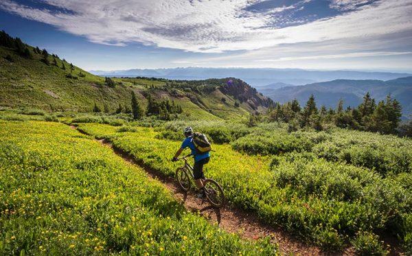 Trasee montane cu bicicleta