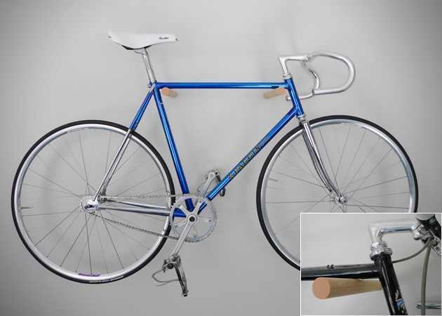 Suport de prins bicicleta pe perete