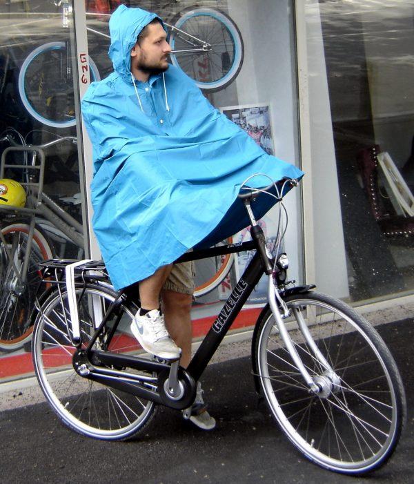 Pelerina de ploaie ciclist