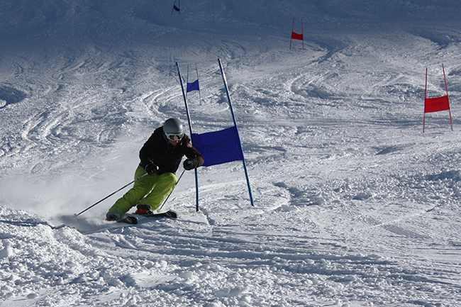 Stiluri de schi - Slalom urias
