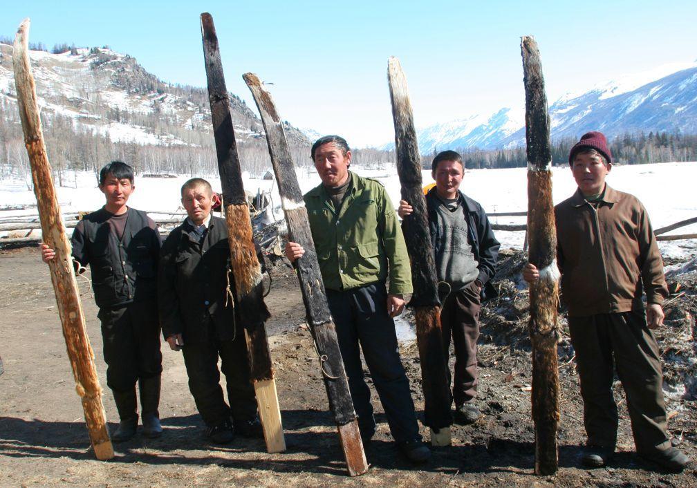 Istoria schiului - Schiori traditionali din zona Altai