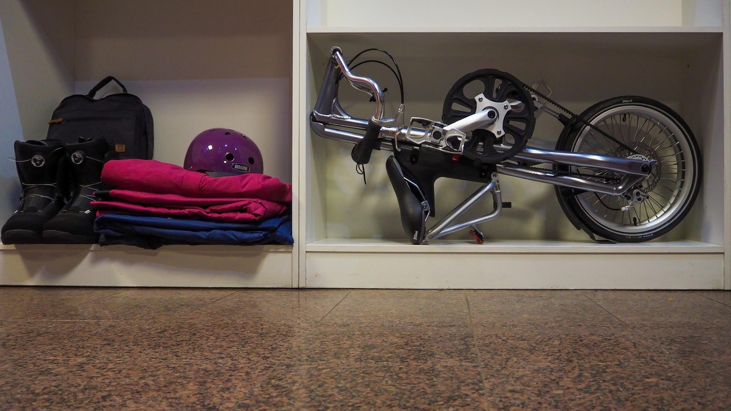 Depozitare bicicleta pliabila Strida