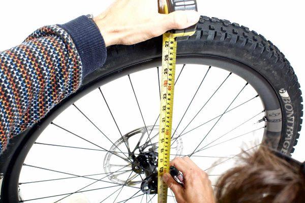 Masurarea diametrului rotii de bicicleta